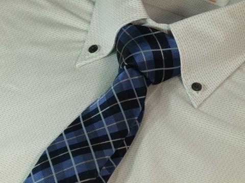 スーツのネクタイの色