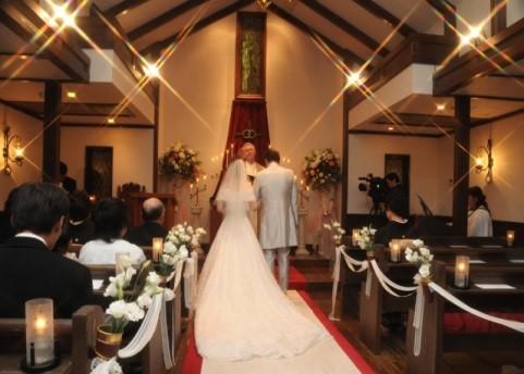 結婚式にチーフ