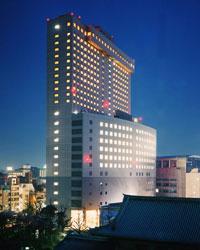 近くの予約できるホテル